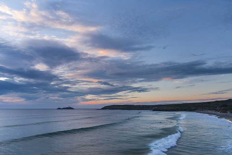 [Godrevy - Beach and Lighthouse at Dusk]