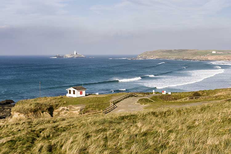 [Godrevy - Lifeguard Hut and Lighthouse]