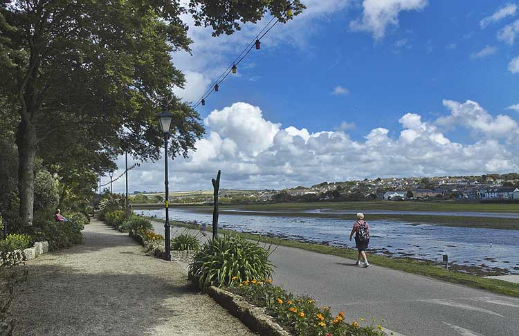 [Hayle - King George Memorial Walk]