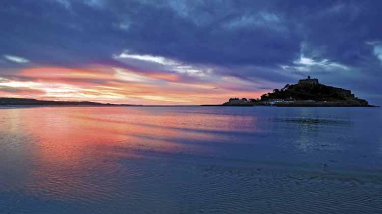 [Marazion, Cornwall - Sunrise at St Michael's Mount]