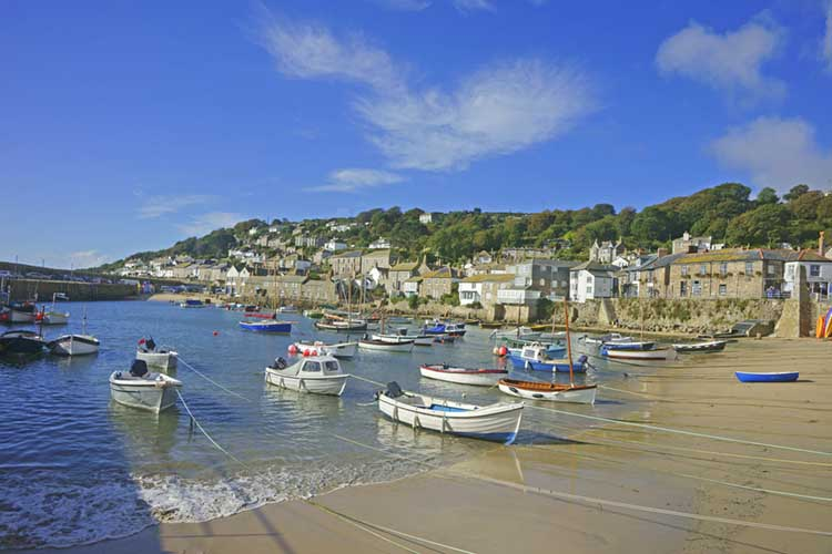 [Mousehole Harbour at Low Tide]