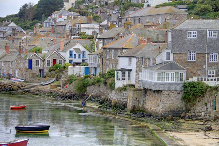 [Mousehole - Houses overlooking the Harbour]