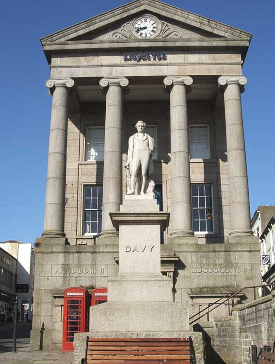 [Penzance - Humphry Davy Statue]