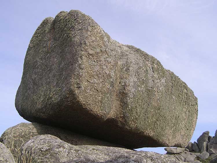 [Porthcurno Logan Rock]