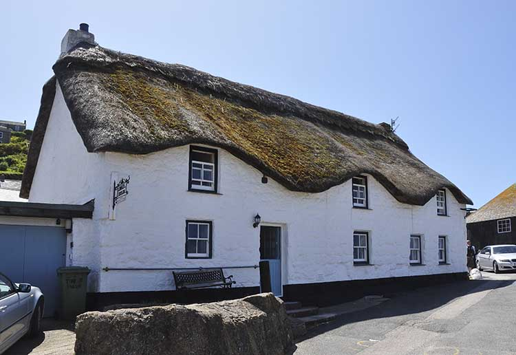 [Sennen Cove, Cornwall - Thatched Cottage on Cove Hill]