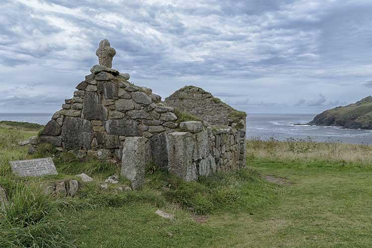 [Cape Cornwall - St Helen's Oratory]